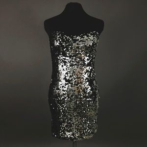 Silver/black sequin short strapless bodycon dress